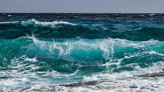 vlny moře.jpg