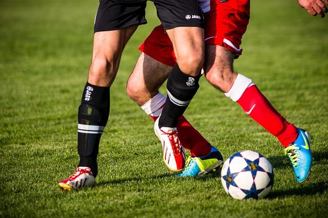 nohy fotbalistů.jpg